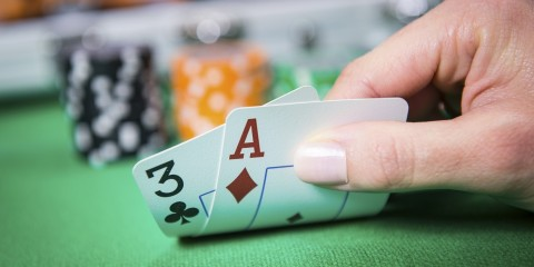 Poker Know-how: Texas Hold'em und Five Card Draw – die Unterschiede
